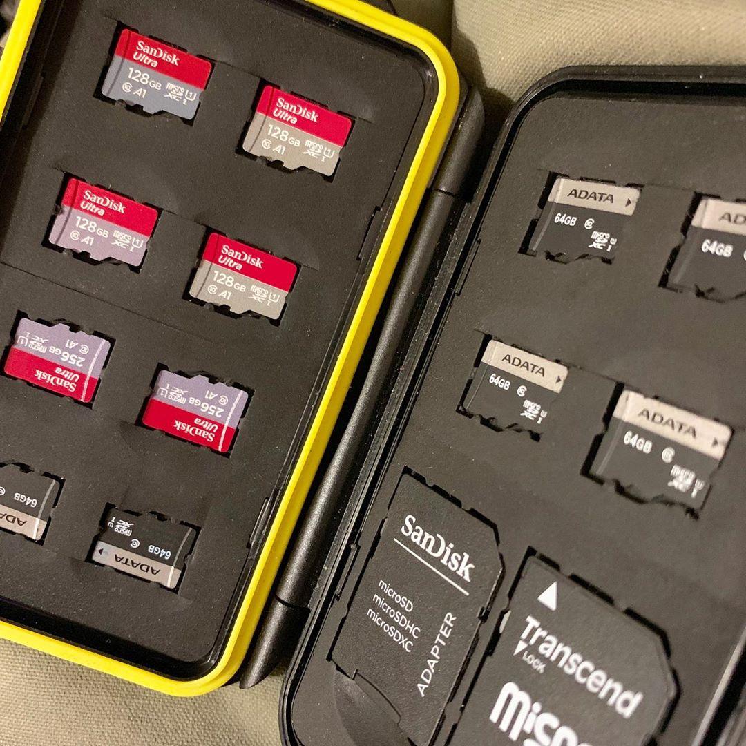 Карт памяти постоянно не хватает, подкупил ещё парочку. All time there is memory cards not enough, bought couple more.