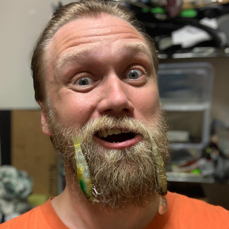 40 лет! Седина в бороду, джиг в ребро! 40 years old! Has a grey beard, but a jigging heart!